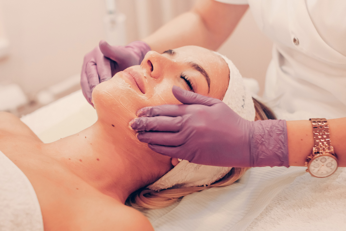Deluxe Clinical Facial Peels